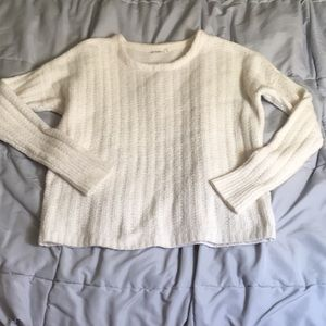 White sweater by gap
